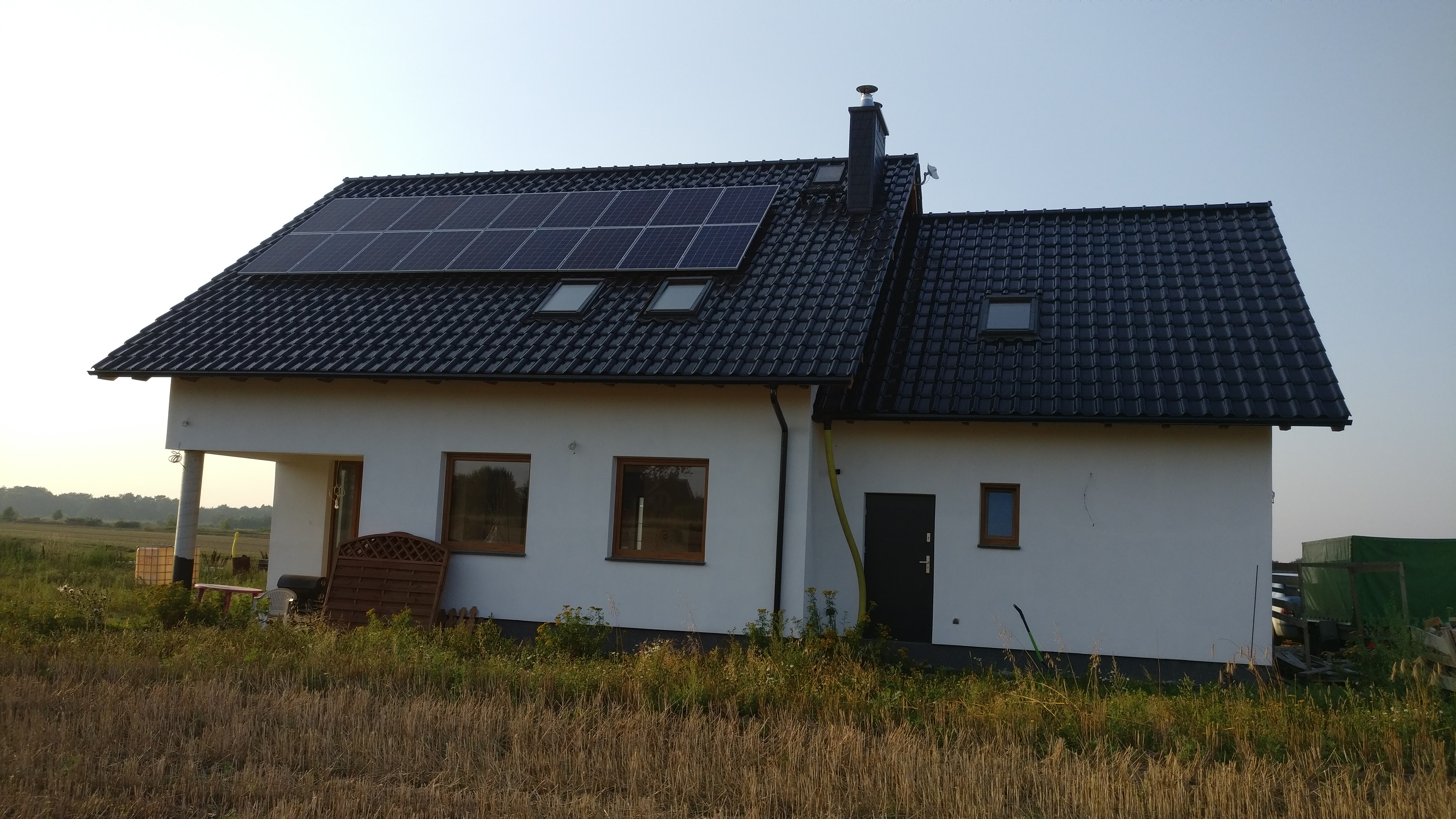 4,86 kWp na modułach Sharp